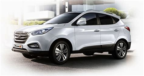 hyundai suv ix35 hyundai ix35 new look for compact korean suv photos 1 of 13