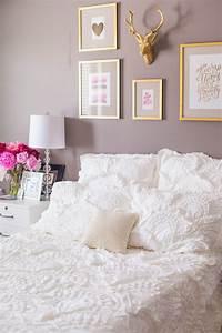 Reveal, Styling, My, Bedroom, In, My, Nebraska, Apartment