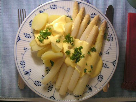 cuisine hollandaise hollandaise sauce made easy from a 17th century kitchen