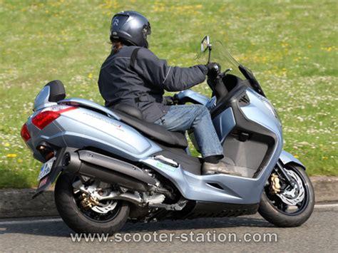 Sym Maxsym 400i Modification by Sym Maxsym 400i Abs 2012 Scooter