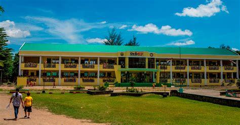 high schools nationwide  receive  classrooms