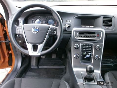 volvo   momentum climate control pdc heated