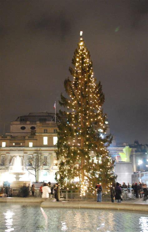 trafalgar square christmas tree london norway wikipedia carol trees england last mas gift minute traditional 2008 services guide visit bittner