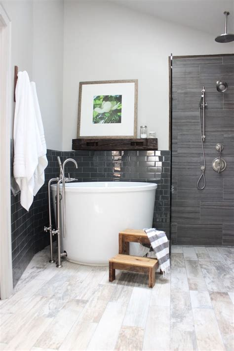 Japanese Soaking Tubs For Small Bathrooms by 25 Best Ideas About Japanese Soaking Tubs On