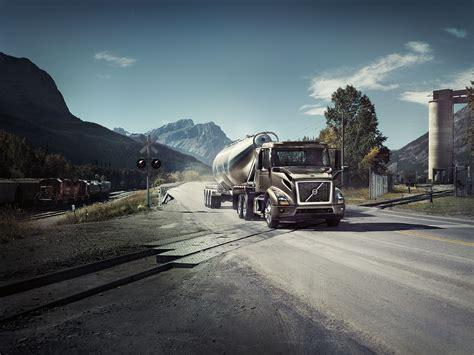 volvo trucks vnr semi truck camion volvotrucks 4k usa transport ferrovia nuova safety hauling latest versatilidad vo sfondi benz desktop