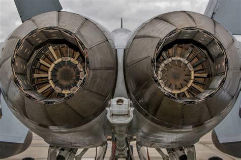 military fighter engines sfondi gratuiti  cellulari