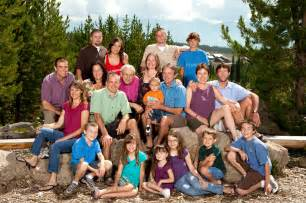 use these amazing large family photography ideas for best results capturitic capturitic
