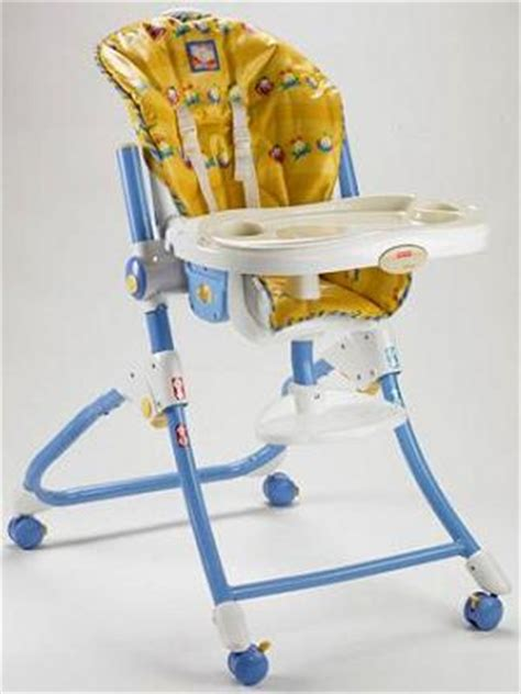 chaise haute fisher price fisher price recalls healthy care easy clean and to me high chairs due to laceration