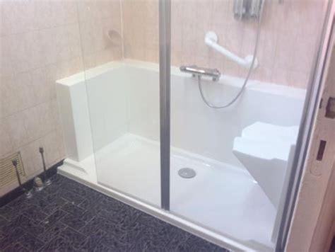 chaise pour baignoire personne agée pour personne agée easy shower