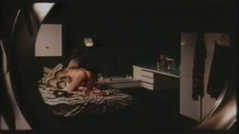 Emmanuelle Parèze Nuda ~30 Anni In Shocking
