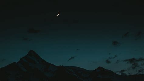 30 aesthetic moon wallpapers