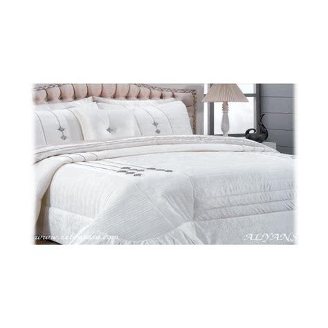 couvre lit alyans meubles  decoration tunisie