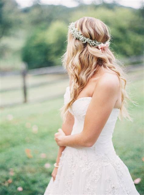 outdoor pennsylvania wedding brings rustic glam