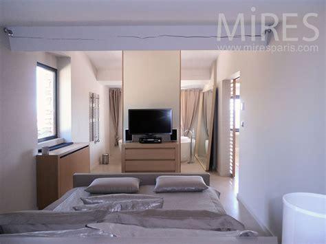 chambre avec bain chambre mansardee moderne design de maison