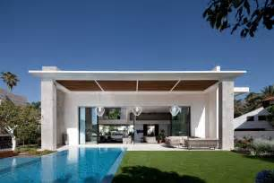 mediterranean house plans with courtyards modern cube house in israel offers the ultimate in refined