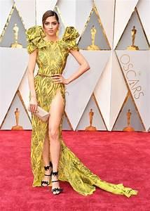actress blanca blanco suffers major wardrobe malfunction With robe oscar 2017
