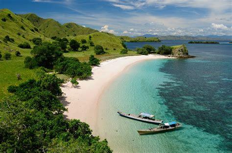 islands  visit  indonesia  crazy tourist