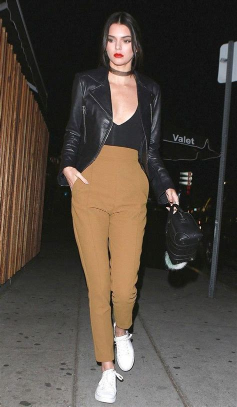 Girls Casual Club Attire-30 Best Casual Outfits for Clubbing