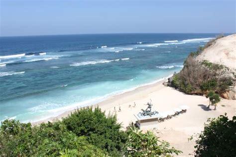beach picture  banyan tree ungasan bali ungasan