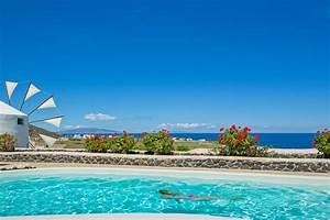 location vacances villa moulin typique de santorin avec With location vacances villa piscine privee