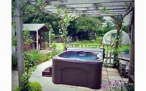 Hot Spring Whirlpool : hotspring south coast hot tubs in customers gardens ~ Michelbontemps.com Haus und Dekorationen