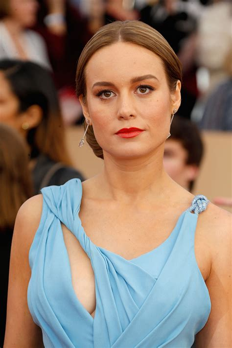 brie larson eyes the hair and makeup looks we loved at the 2016 sag awards