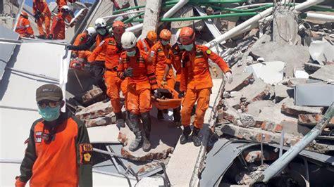 Death Toll From Devastating Quake & Tsunami In Indonesia