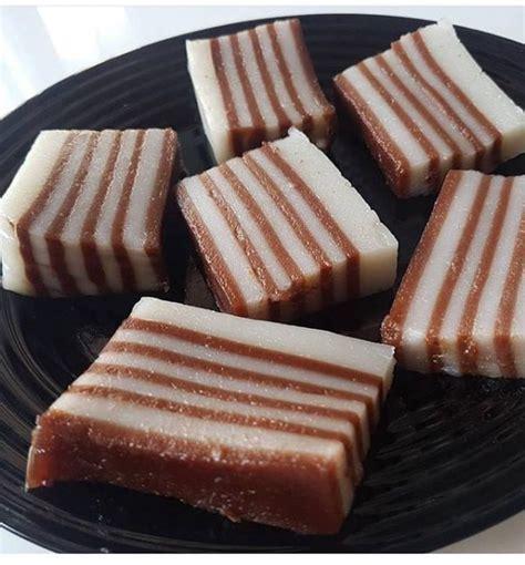Setelah itu masukan semua adonan untuk membuat cendol ke dalam panci, jelas fathul. Resep Kue Lapis Tepung Kanji Cokelat Super Legit