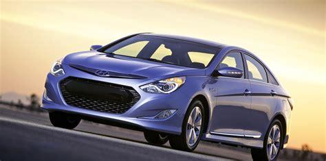 Hyundai Sonata Cost by Hyundai Sonata Hybrid Will Cost Perfomance Advantage