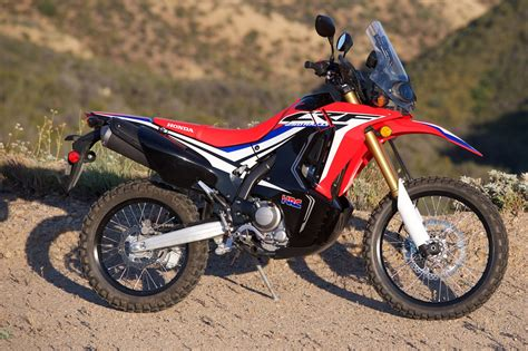 Honda Crf250rally by 2017 Honda Crf250l Rally Review 14 Fast Facts