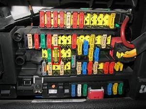 Fusible Autoradio : probleme alimentation autoradio horloge et feux d tresse 206 peugeot forum marques ~ Gottalentnigeria.com Avis de Voitures