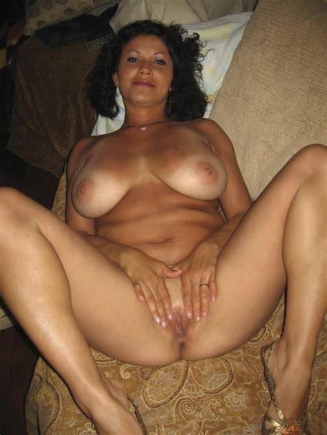Amateur Latina Milf Threesome