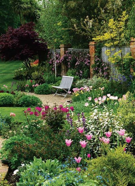 Backyard Garden Florist by Backyard Flower Garden Beautiful Gardens And Courtyards