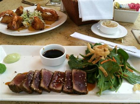 blackened ahi salad picture of bahama s restaurant bar the woodlands tripadvisor