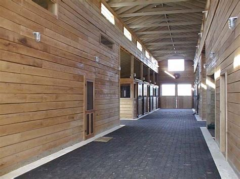 interior   monitor style barn