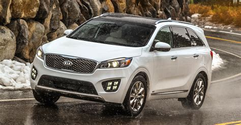2017 Kia Sorento Adds Safety Features, Apple Carplay And