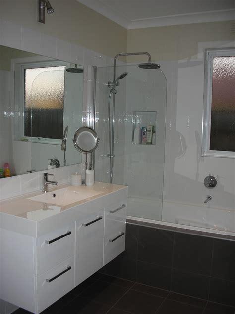 ideas for small bathroom design renovating small bathrooms ideas 217
