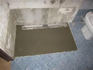 Griglia Per Doccia Pavimento: Canalina di scarico in acciaio inox a pavimento con Canale