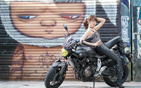Girls & Motorcycles Hd Wallpaper