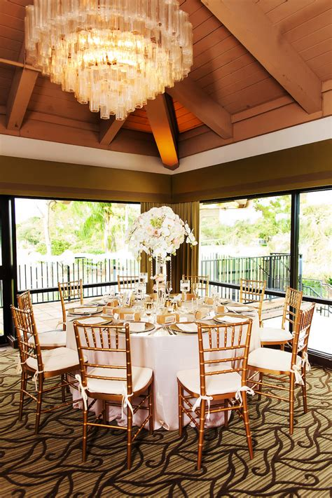 Gold Blush and Champagne Wedding Reception Table with Tall