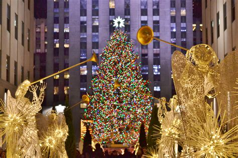 restaurant with view of christmas tree at rockefeller rockefeller center curbed ny