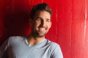 las vegas photo album jake owen rolls into brighter days with new album
