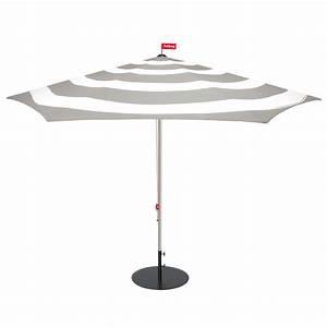 Sonnenschirm Mit Fuß : stripesol sonnenschirm von fatboy connox ~ A.2002-acura-tl-radio.info Haus und Dekorationen
