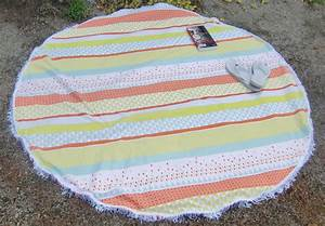 Serviette De Plage Ronde Coton : une serviette de plage ronde je fais moi m me ~ Teatrodelosmanantiales.com Idées de Décoration