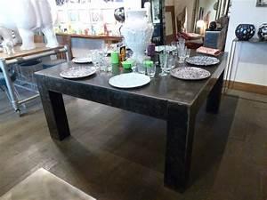 Table à Manger Carrée : table armani carr e tables de salle manger et mobilier sur galerie d mesure ~ Teatrodelosmanantiales.com Idées de Décoration