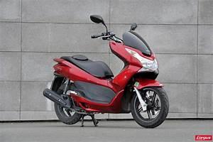 Honda 125 Pcx : honda pcx 125 un scooter urbain encore plus conomique photo 4 l 39 argus ~ Medecine-chirurgie-esthetiques.com Avis de Voitures