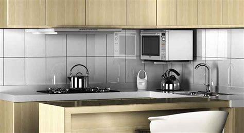staffe per mensola mensola per microonde a staffe per salvare spazio in cucina