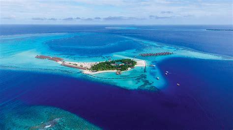 constance moofushi maldives  kuoni hotel  maldives