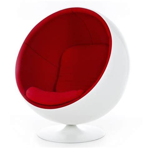fauteuil ballon eero aarnio chair lounge chair adelta ambientedirect