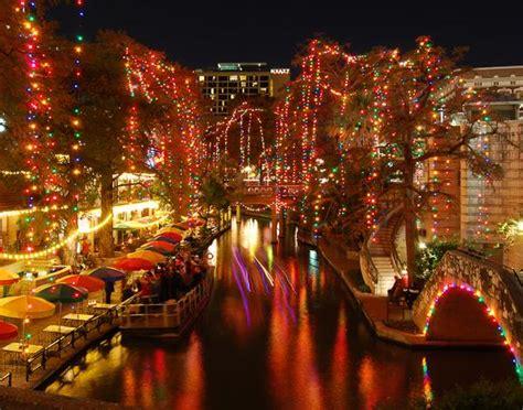 san antonio riverwalk  christmas shutterbug